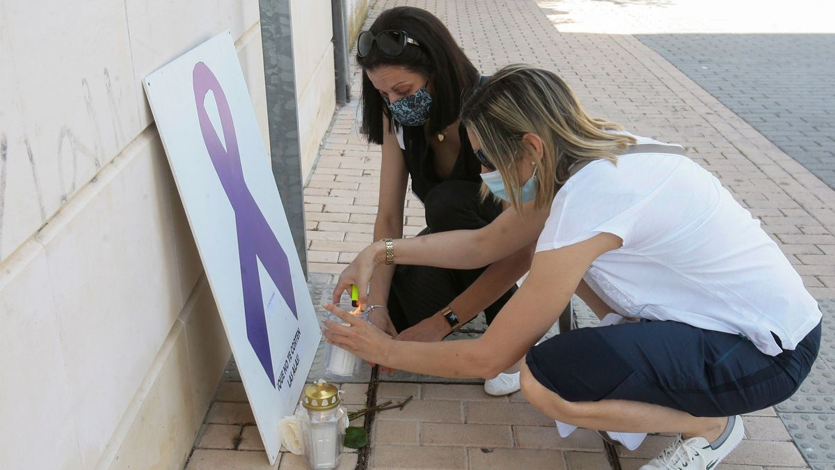 Una concentración en recuerdo de la última víctima de violencia machista, en Guadalajara