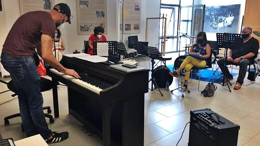 Monk crea escuela en la Pola y pone a los músicos a improvisar