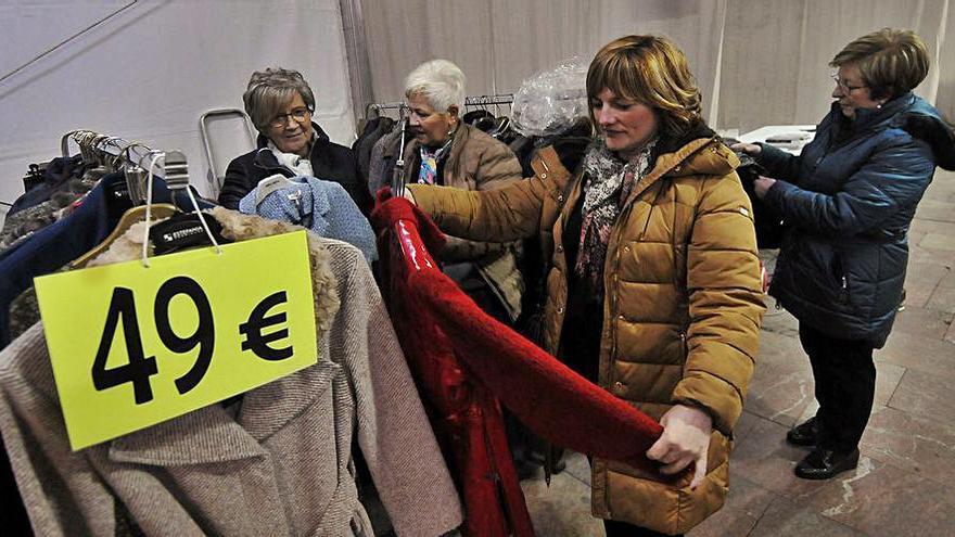 Los comerciantes retoman sus ferias en Langreo tras un año de parón
