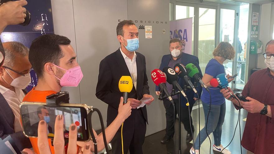 """El alcalde de Elche: """"Estamos tranquilos y colaboraremos con Anticorrupción"""""""