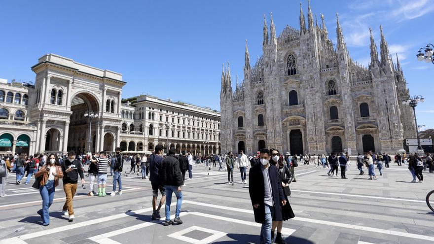 Italia suma 7.500 casos y supera los 8 millones de inmunizados
