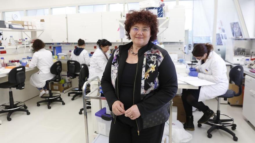 La catedrática de la UVigo África González recibe el galardón Women CEO en la categoría de mujer y ciencia