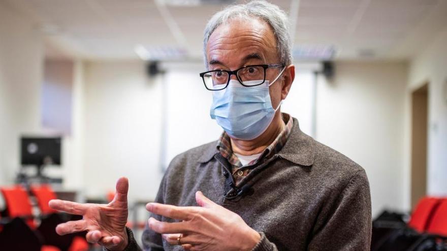 """Epidemiólogo: """"La carrera por la vacuna no justifica atajos éticos"""""""