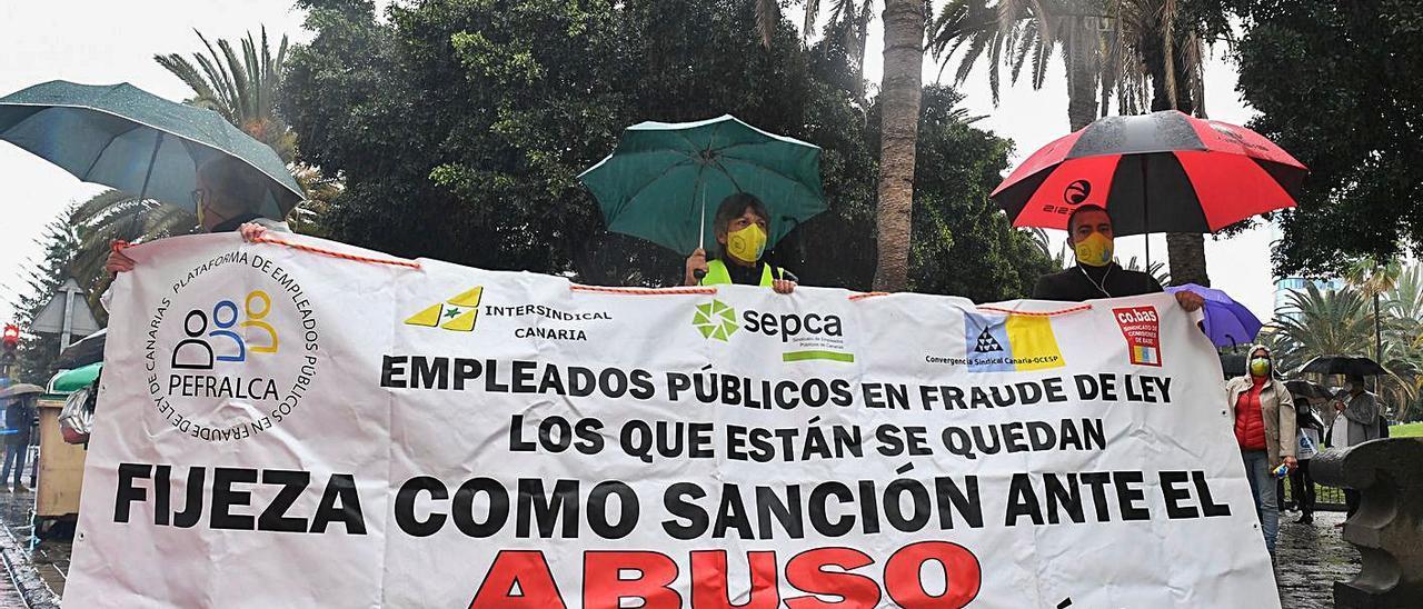 Imagen de una reciente manifestación de los interinos afectados por el abuso de la temporalidad.
