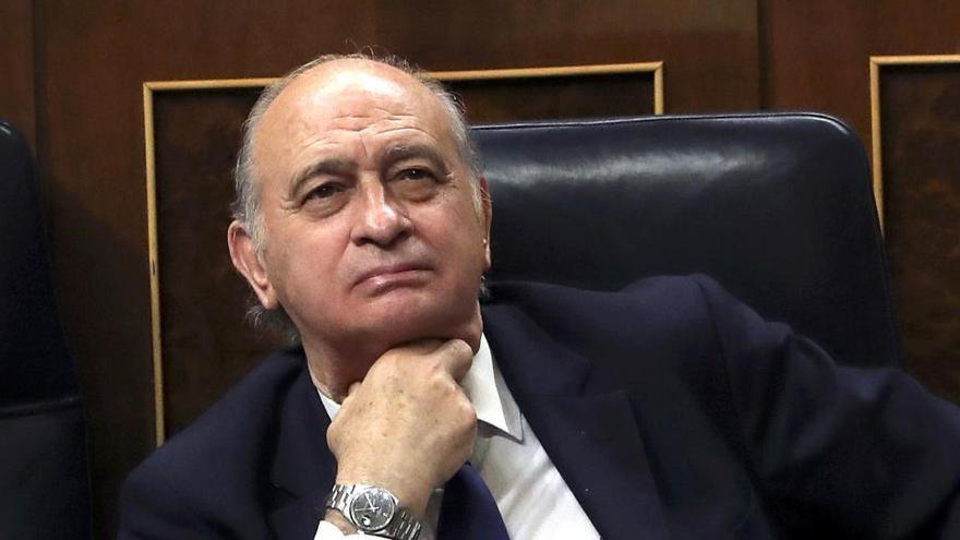 El juez rechaza el recurso de Fernández Díaz y reitera que hay indicios que le incriminan