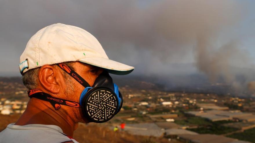 La ONCE envía a La Palma 11.000 pares de gafas y 5.000 gorras