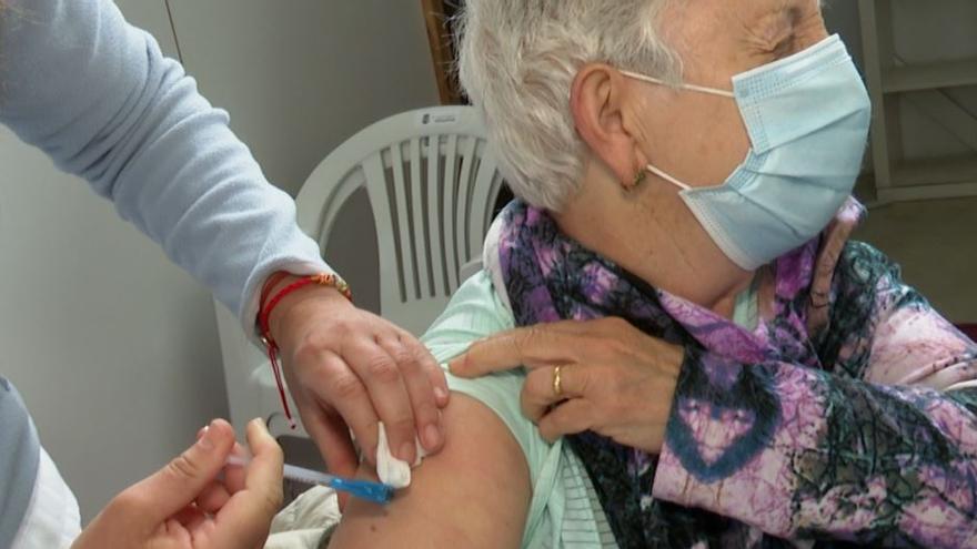 La Comunitat Valenciana roza las 40.000 terceras dosis administradas a residentes y personas de riesgo