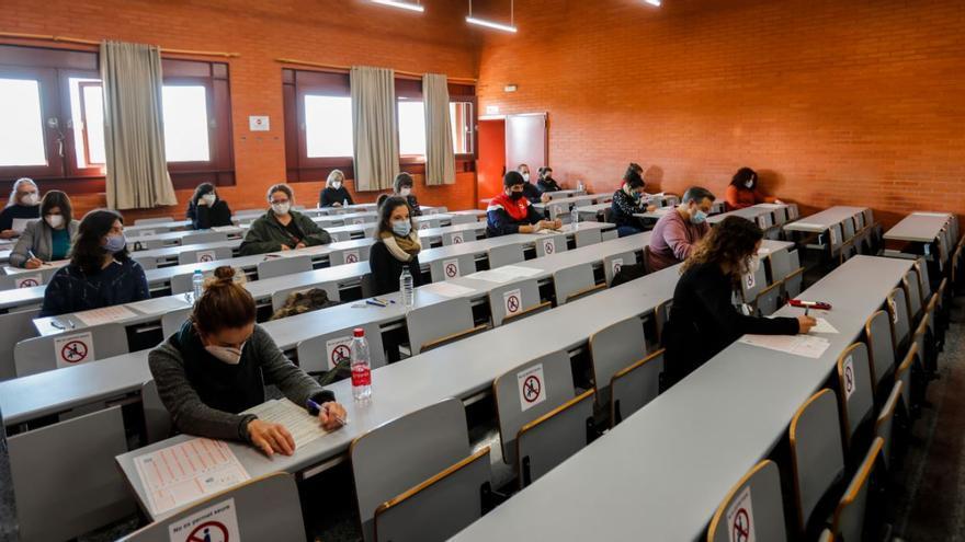 Educación y sindicatos alcanzan un acuerdo para la acreditación de titulaciones de las oposiciones 2016 y 2018
