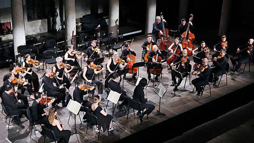 L'Orquestra de València ret homenatge als germans Iturbi