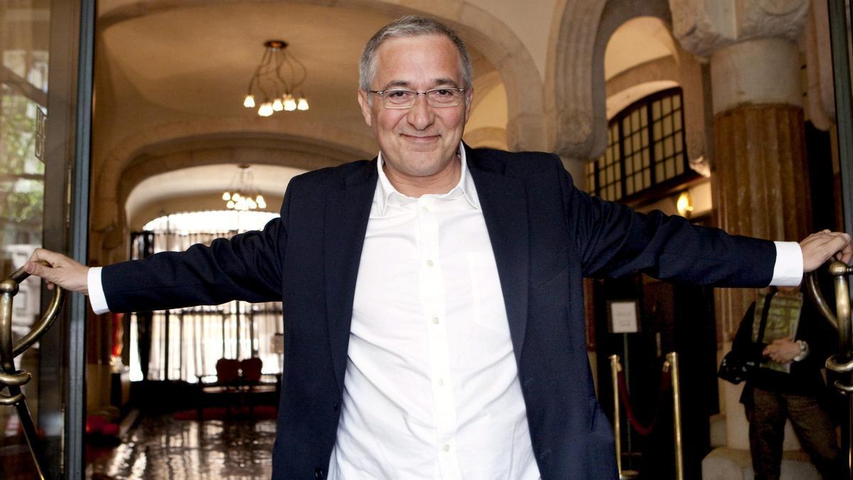 Xavier Sardà remembers tonight his hard childhood with Mamen Mendizábal in 'Palo y astilla'.