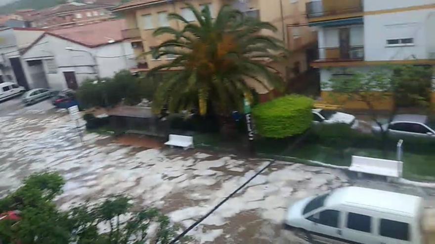 Intensas lluvias y granizadas en el Valle del Jerte