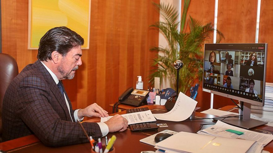 Alicante exime a la hostelería de la tasa de veladores hasta junio y pide más ayudas para el sector