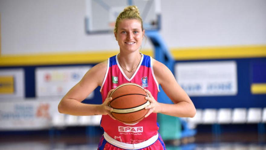 La alemana Alina Hartmann se une al proyecto del SPAR Gran Canaria