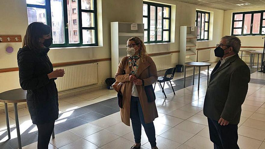 Oviedo exige una respuesta a su plan para que los alumnos den clase en centros sociales