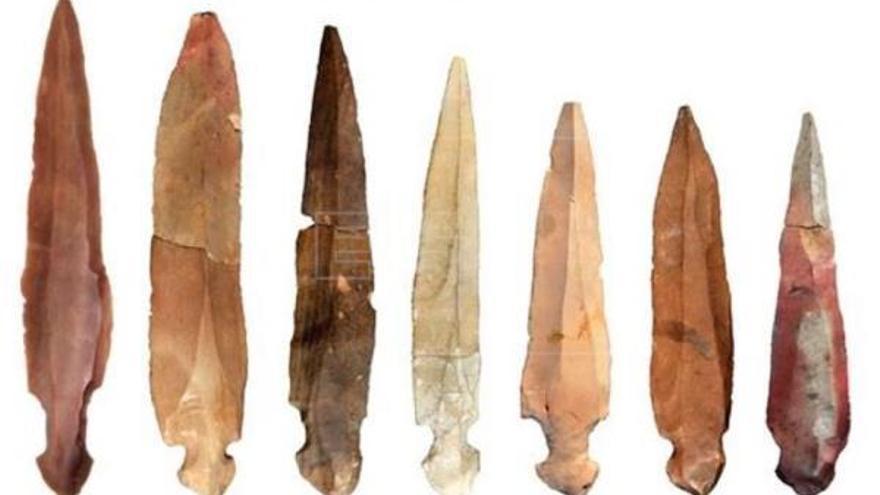 Hallan cuchillos rituales para desmembrar difuntos en una cueva de Israel