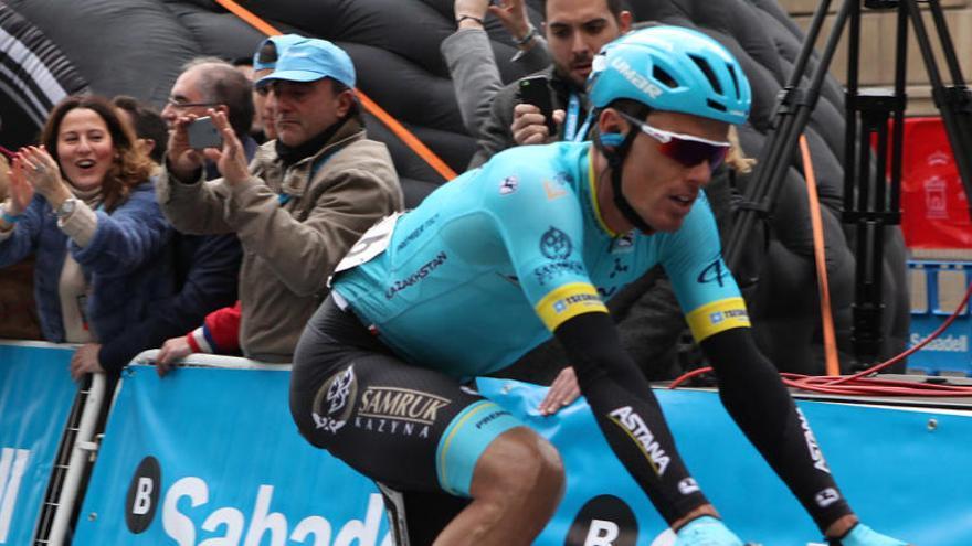 Luis León Sánchez sigue segundo en la Vuelta a Andalucía