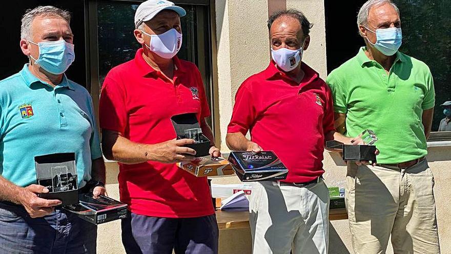 Tomás Asunción, vencedor absoluto del torneo de golf 'Tu Bola' disputado en el campo de El Maderal
