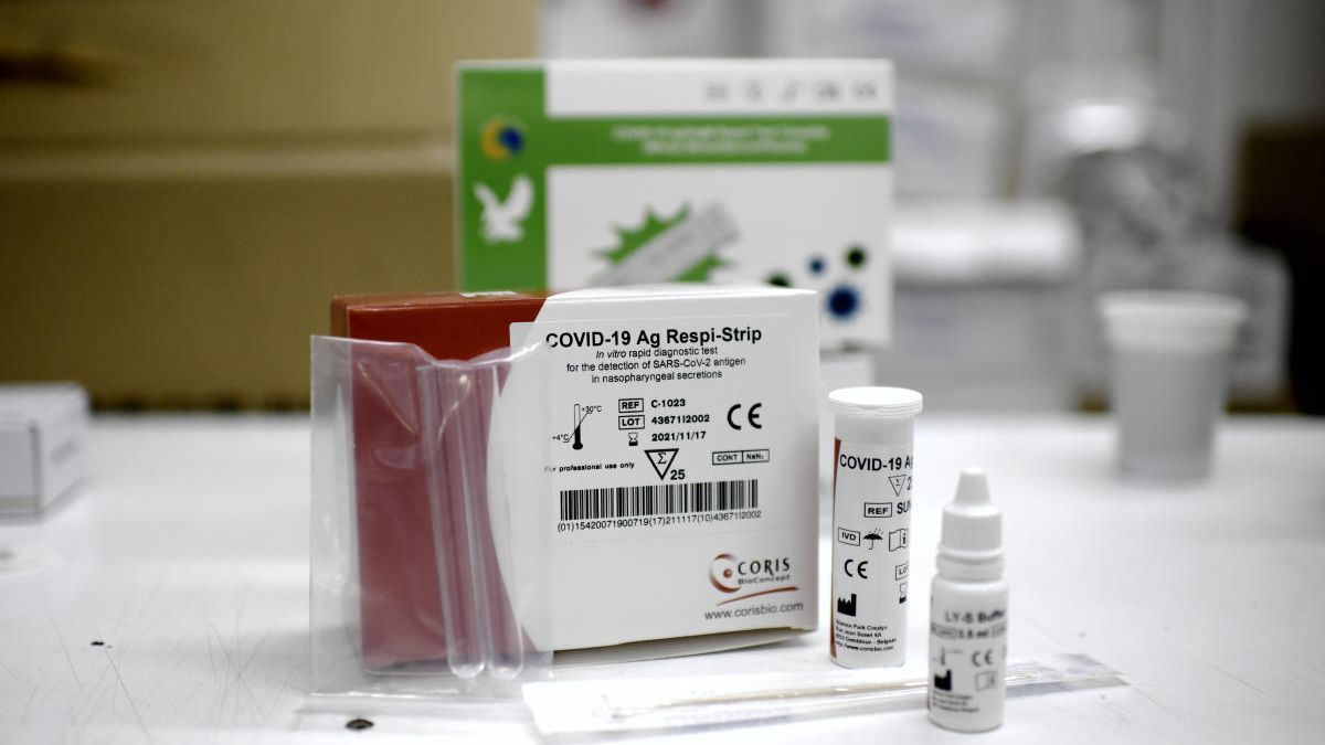 Box with a coronavirus antigen test.