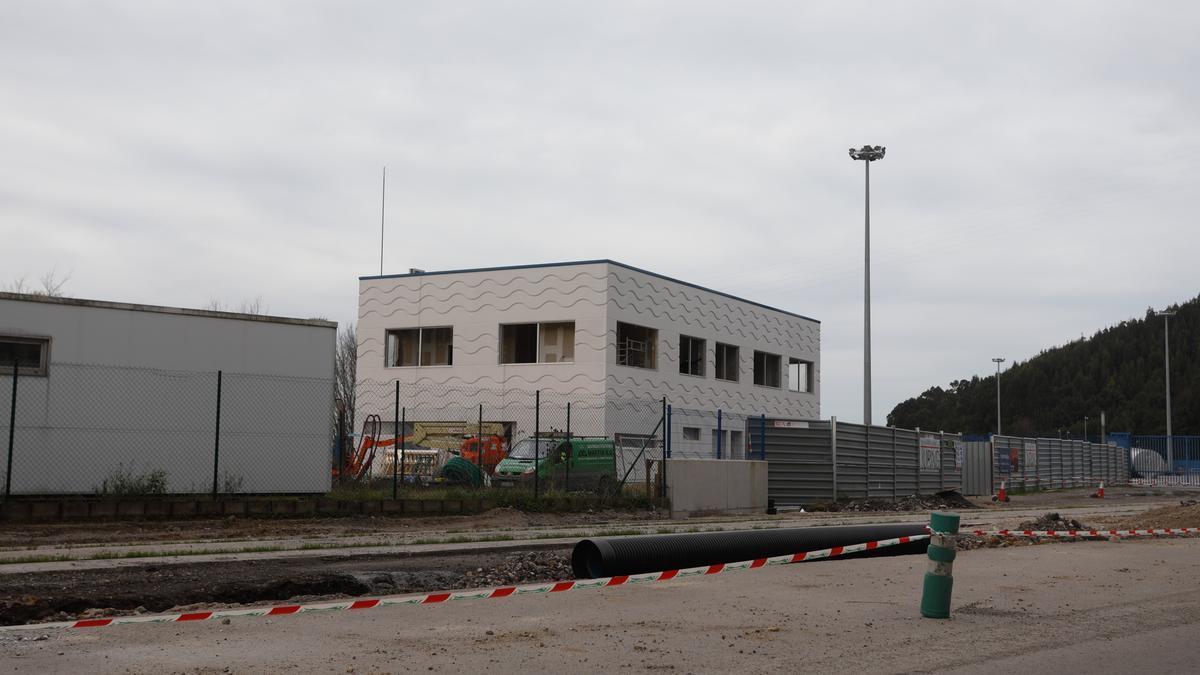Estado de las obras del edificio de servicios de la margen derecha.