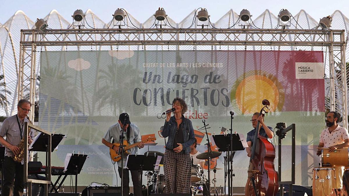 Un dels concerts de la Berklee de València en la Ciutat de les Arts. | LEVANTE-EMV