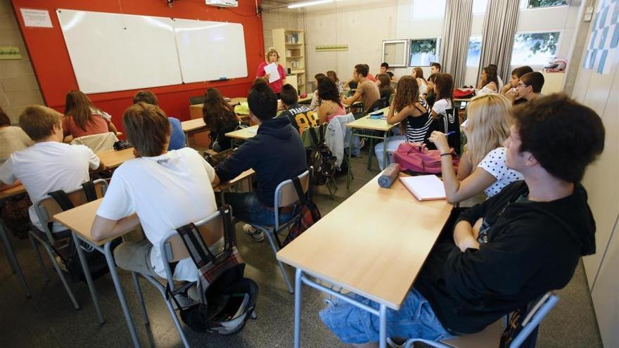 Educación aumenta dos horas de clase en Bachillerato