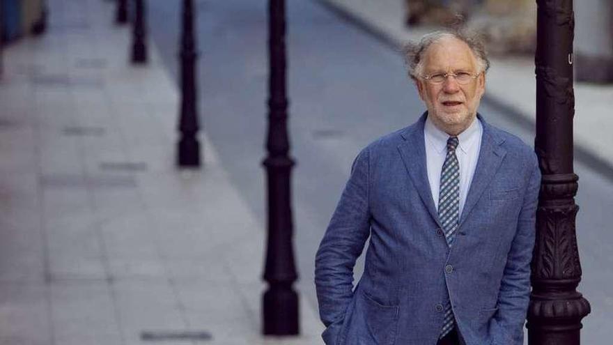 Ernesto Ekaizer y su libro sobre Juan Carlos I, esta tarde