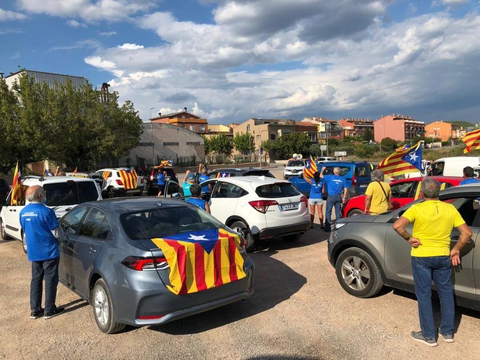 La rua de vehicles cap a Lledoners arrenca a Santpedor amb una cinquantena de cotxes