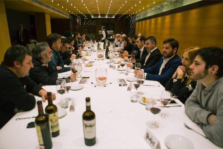 Presentación del vino Ribera del Duero Alexander vs. The Ham Factory, de Casa Rojo