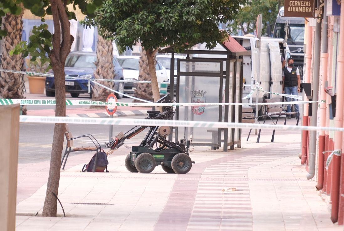 La Guardia Civil explosiona la mochila sospechosa en Sax y descarta la presencia de una bomba