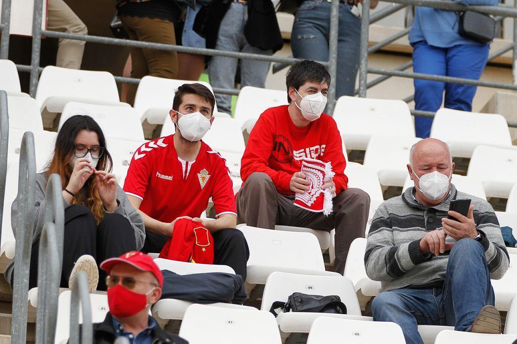 El Real Murcia no levanta cabeza (0-0)