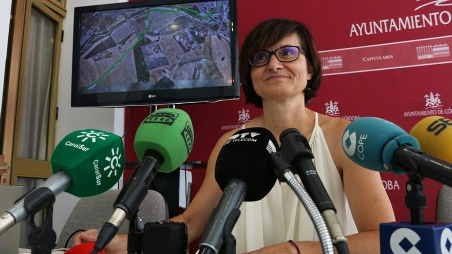 El Ayuntamiento adecentará cinco kilómetros para el paseo que conecta con la vía verde