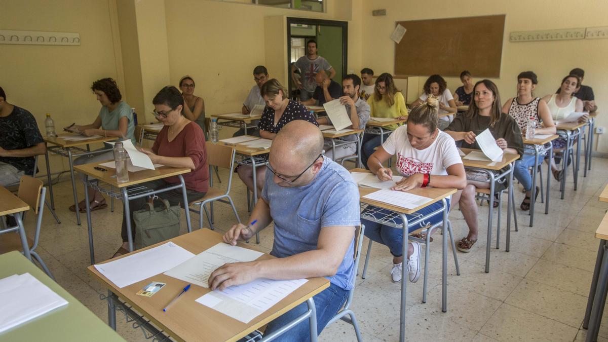 Imagen retrospectiva de las últimas oposiciones de enseñanza en Alicante