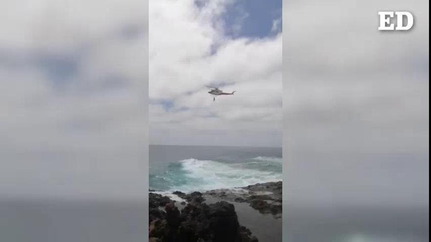 Rescatada una menor en apuros en la costa norteña de Lanzarote