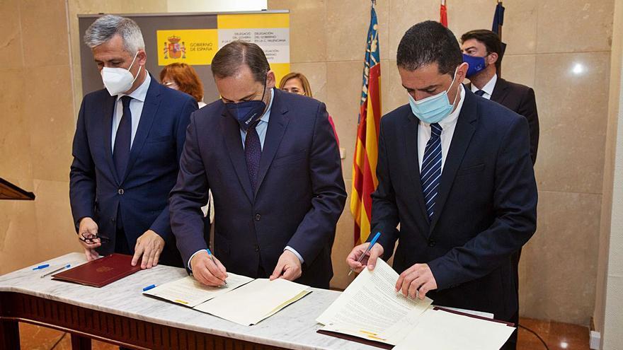 La firma del protocolo de la Agenda Urbana abre la puerta a rehabilitar el centro histórico de Alcoy