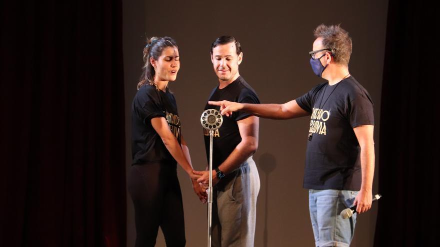 Diana Roig, Ricky Mata i Ivan Labanda, protagonistes del musical 'Cantando bajo la lluvia', parlen sobre el muntatge de Manu Guix i Àngel Llàcer