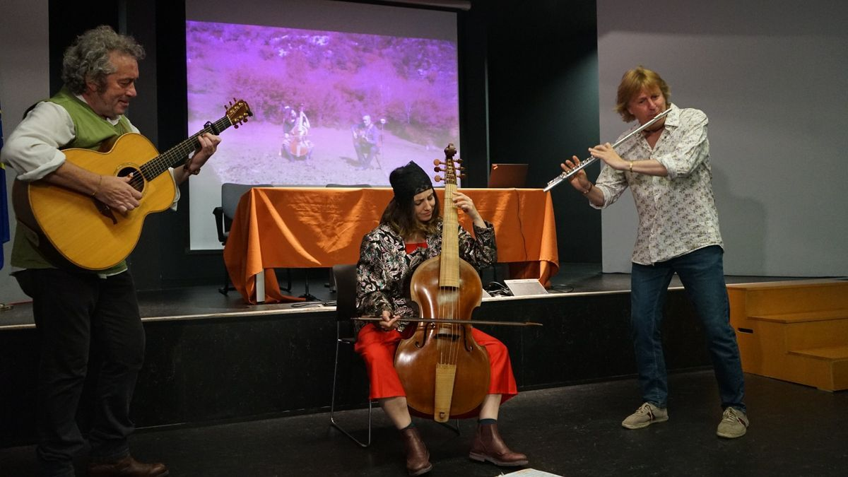En el acto se han presentado cuatro de las canciones del proyecto.
