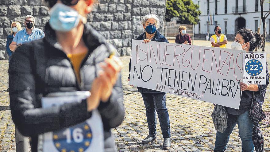 """Los interinos denuncian la """"inseguridad jurídica"""" que generan los cambios del Estado sobre su futuro laboral"""