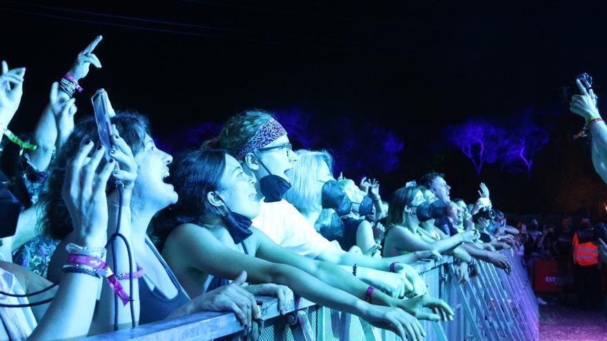 El Vida obre el temps dels festivals amb retards en el cribratge dels assistents
