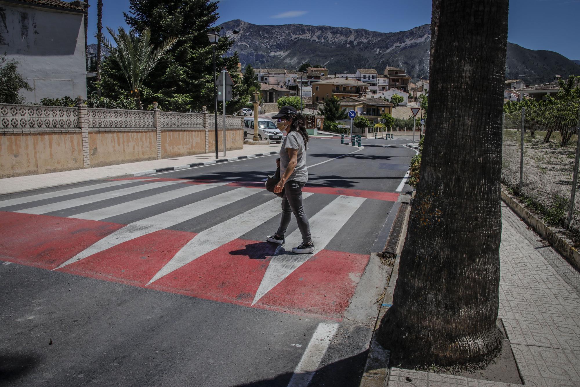 Obras Públicas renueva la travesía de Gorga para dar más seguridad a vehículos y peatones