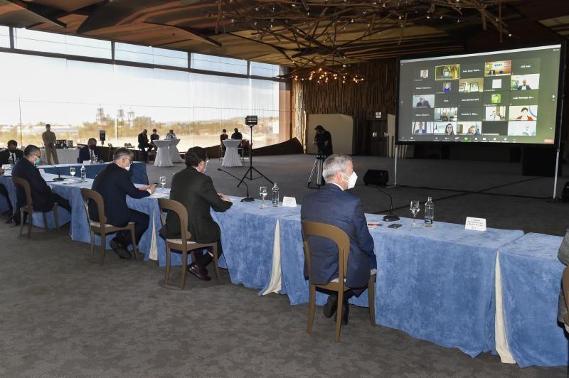 Reunión de la patronal y presidente de Gobierno canario