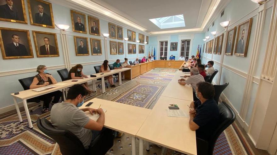 La oposición en Crevillent se plantea llevar ante el Síndic al tripartito por «ninguneo»