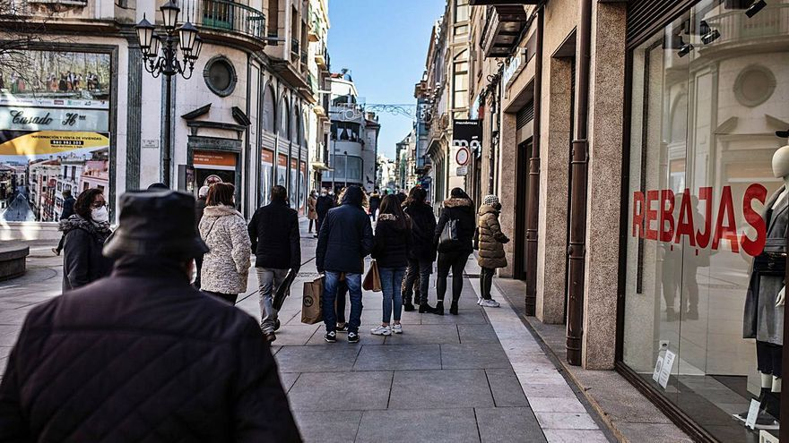 Zamora estrena unas rebajas de subsistencia
