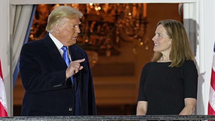 Trump consigue colocar a la conservadora Amy Barrett en el Tribunal Supremo