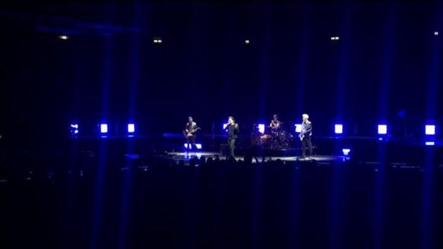 Bono pierde la voz en directo en un concierto en Berlín