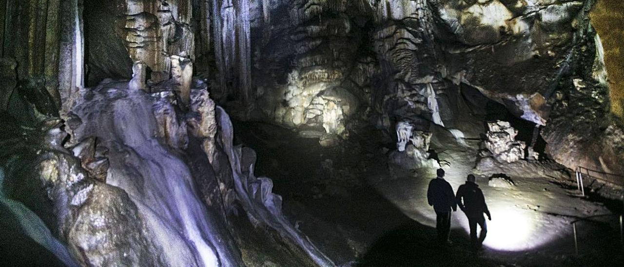 Cueva de La Peña, en Candamo. | Miki López