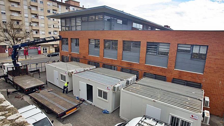 Instalan barracones en el centro de salud para ganar seguridad