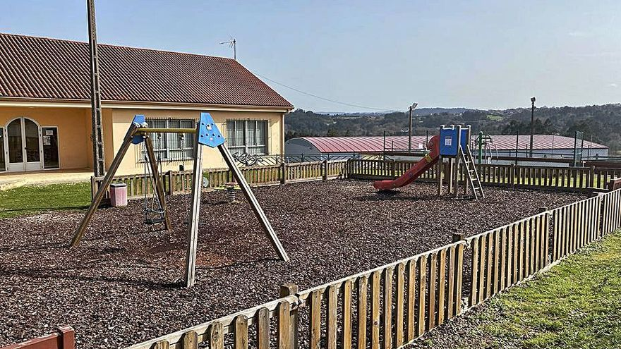 Cambre renovará los parques infantiles de Andeiro y Anceis