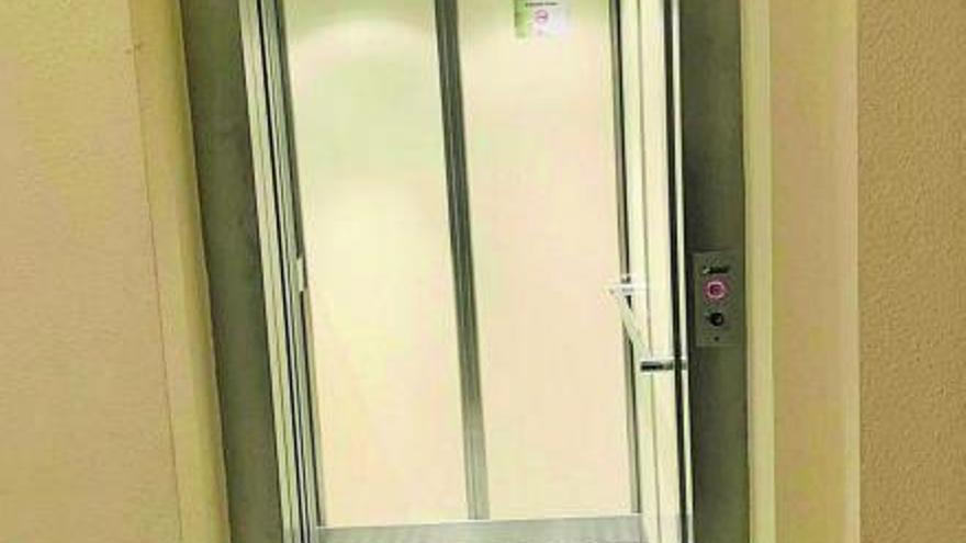 El Ayuntamiento de Arcenillas adapta su ascensor para mejorar su accesibilidad