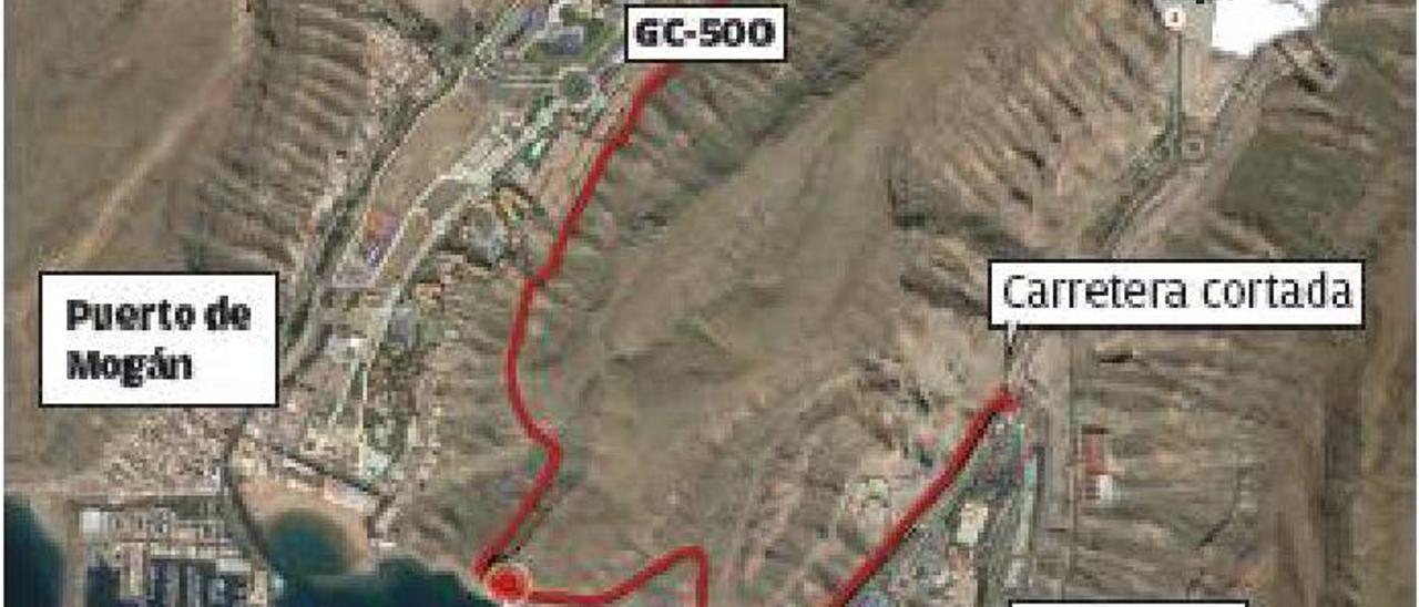 Los ciclistas protestan por el cierre de la GC-500 entre Taurito y Playa de Mogán