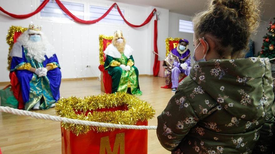 Unos 1.400 emeritenses acuden a ver a los Reyes